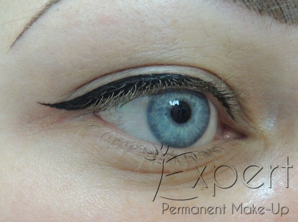 Permanent Make Up Lidstrich In Berlin Bei Expert